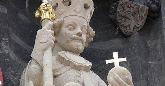 Ověnčen senem a polit vínem. Před 600 lety vtrhli husité do kláštera a znesvětili ostatky krále Václava IV.