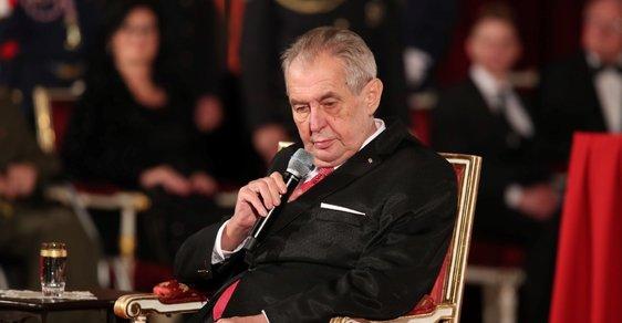 Zeman i Babiš jsou zbabělci, říká Kroupa. Prezident by měl najít sílu k 30. výročí promluvit, dodává Blažek