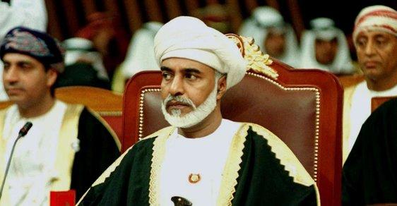 Ománské mocenské šachy: Zemřelého sultána, který sesadil svého otce, nahradil jeho bratranec