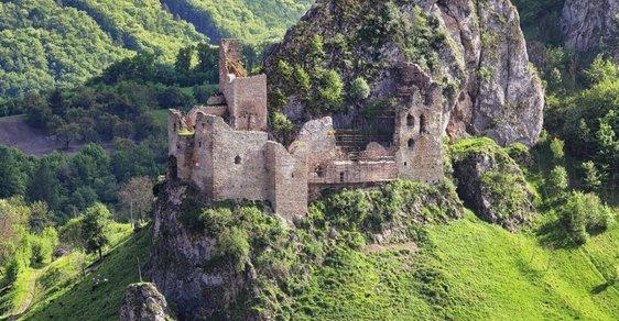 Bílá bradla Bílých Karpat aneb Toulky po hradních zříceninách na česko-slovenské hranici