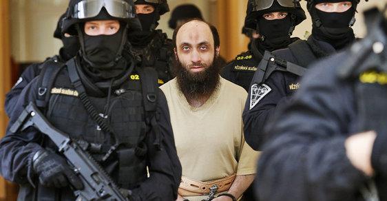 Jménem Alláha: Před soudem stojí muslim, který neuznává naše právo a tvrdí, že pro něj platí pouze šarí'a