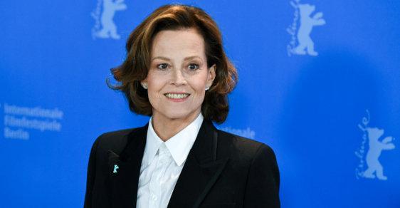 Žádná další Ripleyová nebude, vzkazuje z Berlína  přemožitelka Vetřelce Sigourney Weaverová
