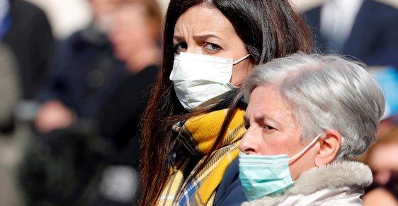Dva mrtví v Itálii, jeden ve Francii a téměř dvě stovky nakažených. Jak si zatím stojí koronavirus v Evropě?