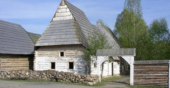 Skanzen Řepora: Malé středověké městečko s ukázkou lidové architektury 14. století v okrajové části Prahy