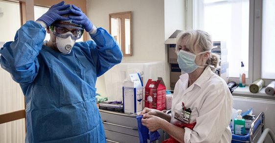 Vlastimil Válek: Promoření je nezodpovědné. Nemocnice musí začít léčit a operovat i pacienty bez covid-19