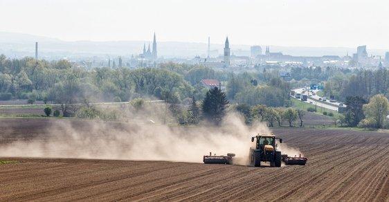 Česká krajina je na tom zle a nikdo s tím nic nedělá. Těžba uhlí ale Čechům nevadí, ukázal průzkum