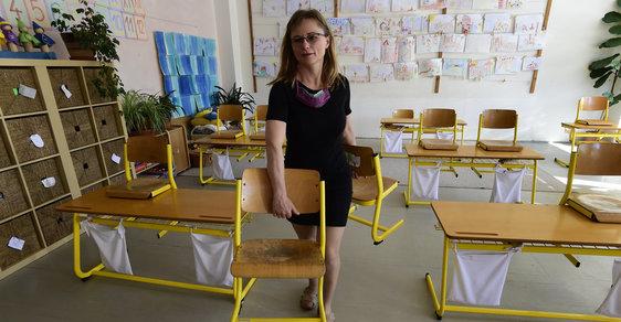 Poklona učitelům, kteří učí. Ministr Plaga by zasloužil zavřít do koše a vykoupat ve Vltavě