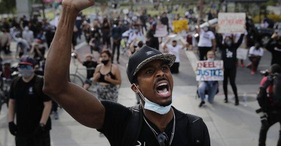 Protesty Black Lives Matter jsou nasáklé nenávistí vůči bělochům. Zapomíná se, kdo zrušil otroctví?