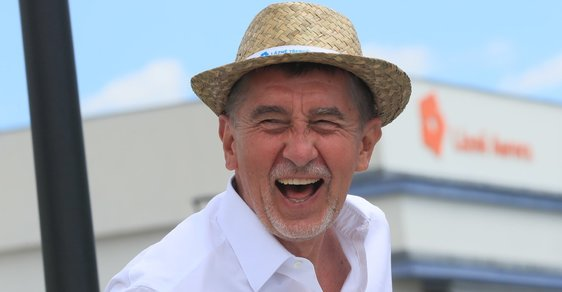 Karel Steigerwald: Kde je uloženo Čapí hnízdo? V břiše Andreje Babiše