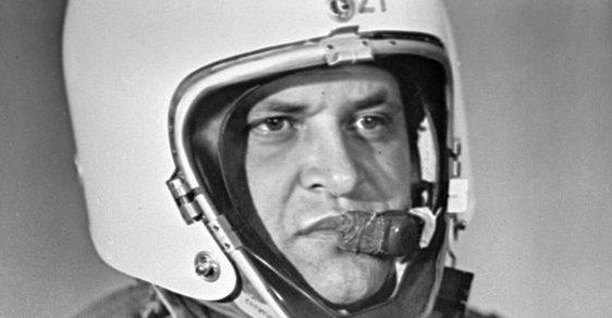 Špion, který odmítl kapsli s jedem. Před 60 lety Sověti sestřelili a zatkli pilota Francise Powerse