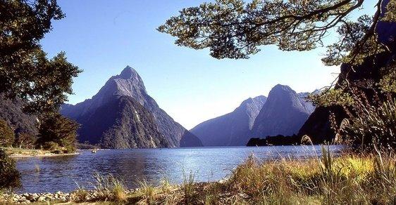 Nový Zéland v 70. letech: Projděte se panenskou krajinou Pána prstenů