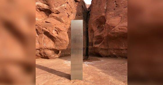 Po stopách mimozemských znamení. V americké poušti objevili záhadný železný monolit