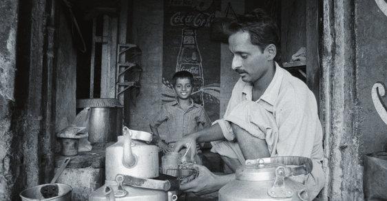 Fotoreportáž Michala Thomy: Za čajem do indických ulic aneb Jak válí čajválové