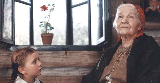 Babiččino devatero: Minisérie Božena nejspíš národ kčetbě Babičky nepřivede. Zkusme to zani…