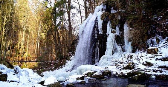 Tip na výlet: V romantickém Terčině údolí uvidíte umělý vodopád, starobylou tvrz i pětisetletý dub