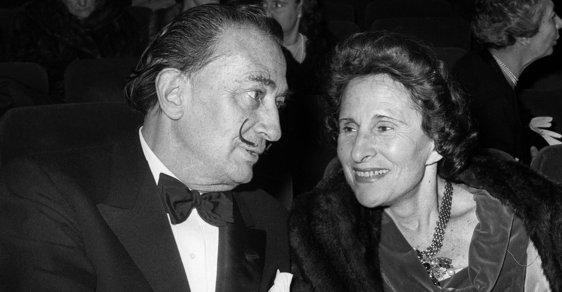 Božská mrcha Gala Dalí: Slavnému malíři prakticky stále zahýbala, milence živila z jeho peněz, on ji miloval až za hrob