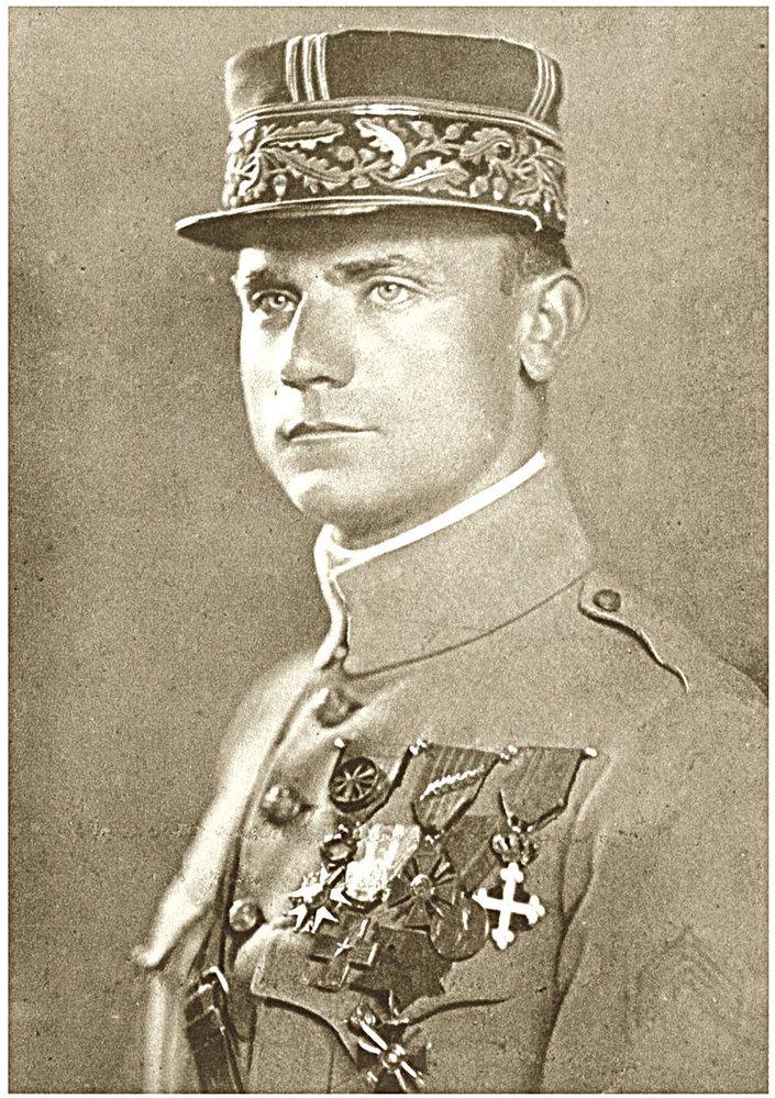 Milan Rastislav Štefánik ve slavnostní uniformě