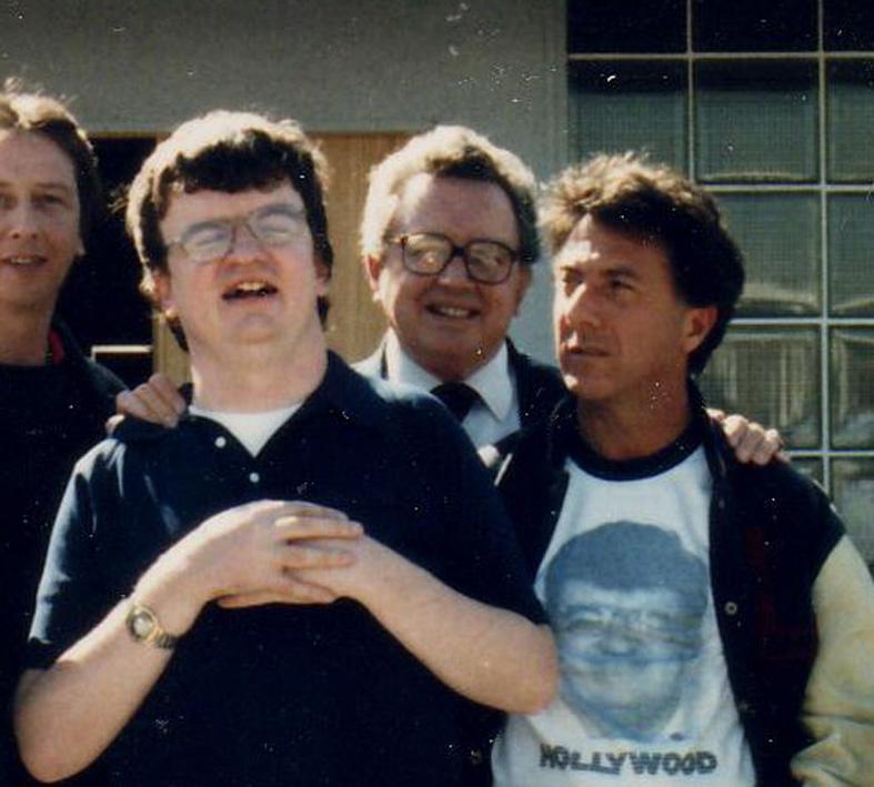 Při přípravě na natáčení Rain Mana strávil Dustin Hoffman s Peekem několik měsíců, aby sledoval jeho chování a pohyby.