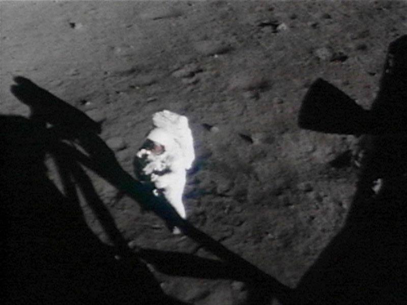 Neil Armstrong stanul 20. července 1969 jako první člověk na Měsíci