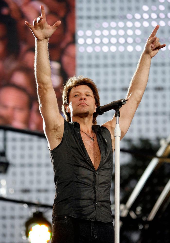 Jon Bon Jovi po dvaceti letech zazpívá znovu v Praze.