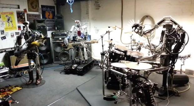 Roboti-muzikanti.
