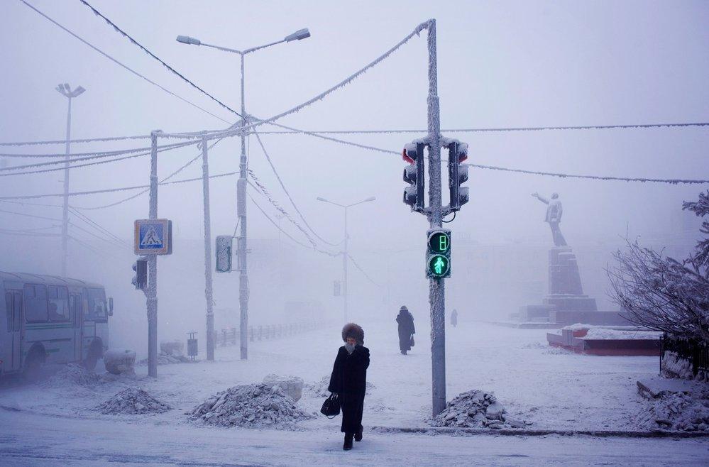Počasí je v Jakutsku kruté, přesto tu žije 270 tisíc lidí.