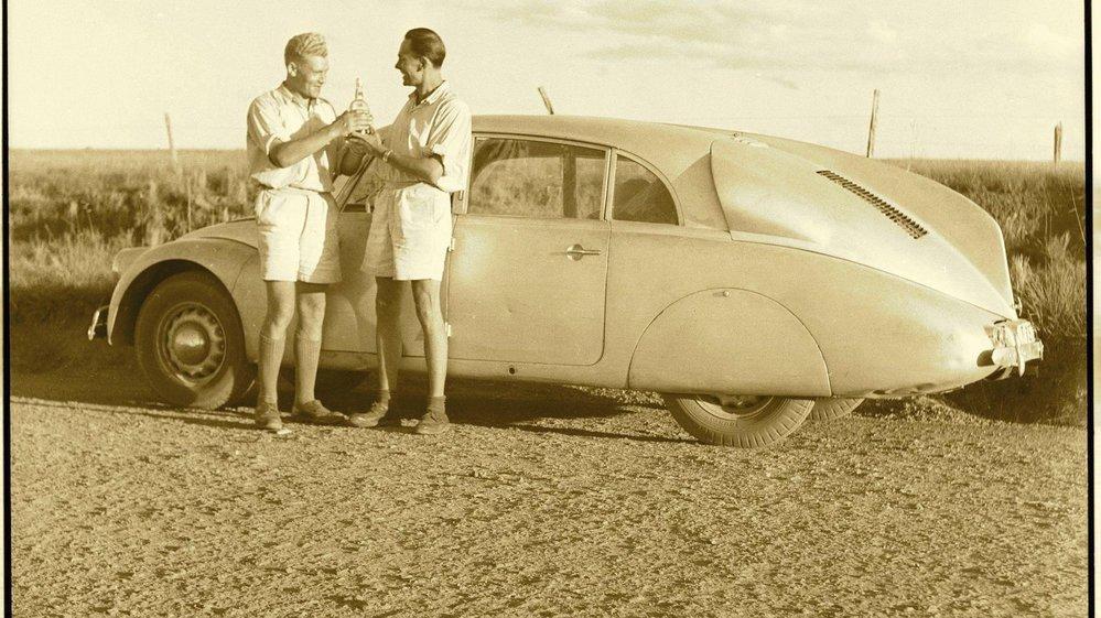 S Tatrou 87 vyrazil Hanzelka a Zikmund 22. dubna 1947 na tříletou pouť Afrikou a Jižní Amerikou.