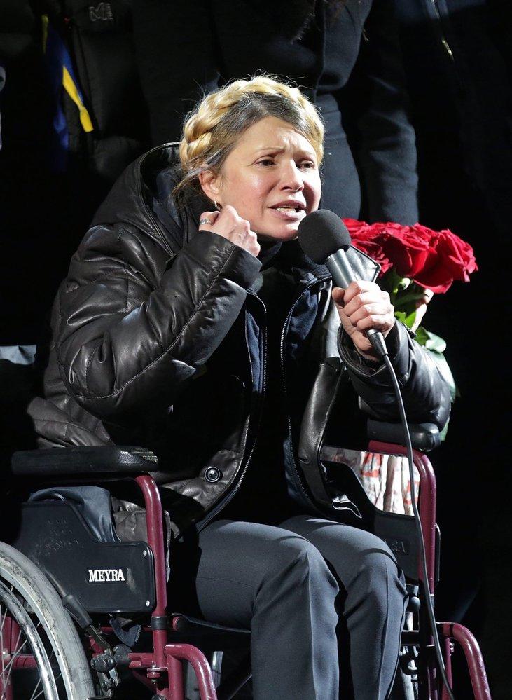 22. únor 2014 - Čerstvě propuštěná Tymošenko mluví k nadšeným Ukrajincům na Majdanu.