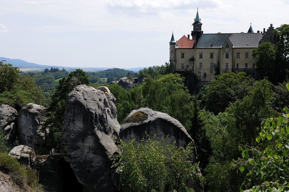 Český ráj, zámek Hrubá Skála