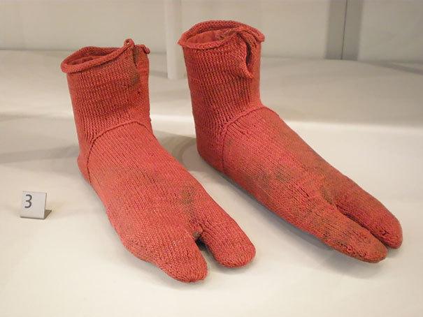 1500 ponožky přispůsobené tvaru egyptských sandálů