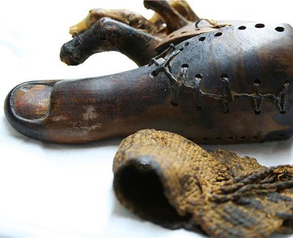 Funkční protéza, Egypt, 3 000 let