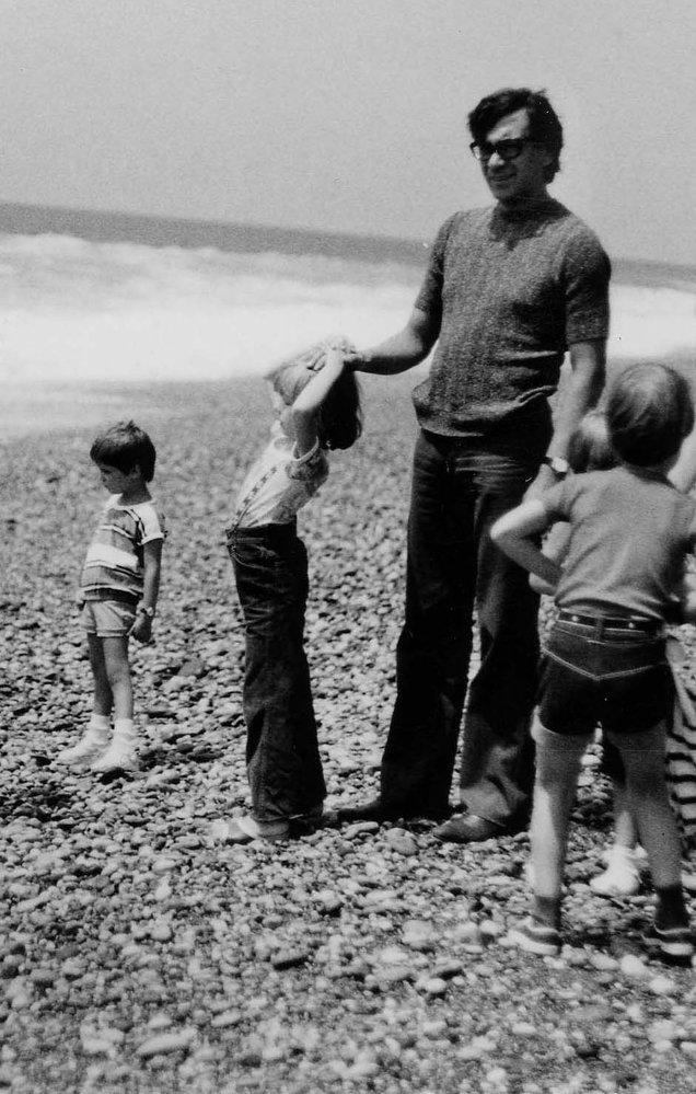 Petr Čepek s rodinou u moře v Sovětském svazu.