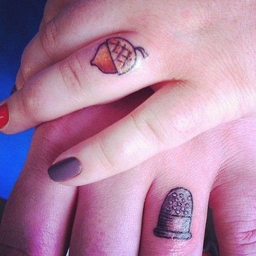 Svatební tetování začíná být v posledních letech čím dál tím oblíbenější.