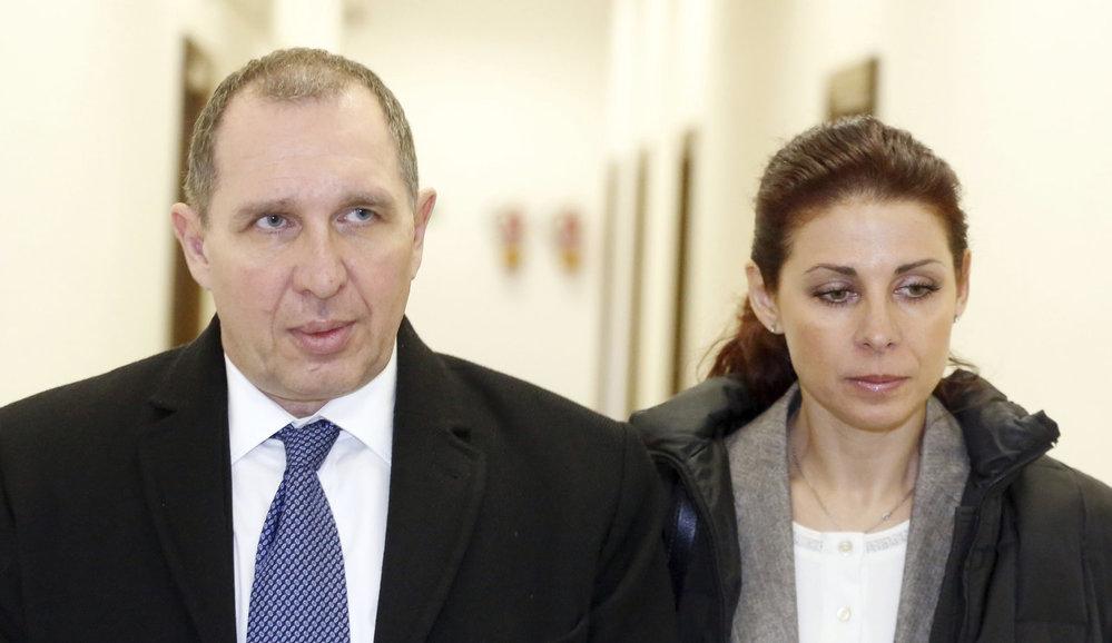 Kateřina a Petr Kottovi u soudu v roce 2015