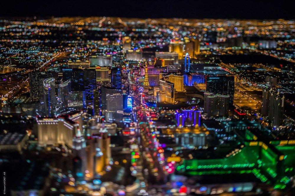 8. Las Vegas – z kalifornské Svaté Moniky do nevadského Las Vegas. Osmé nejfotografovanější místo na Zemi, alespoň podle Instagramu. Nezapomeňte ale na to, že co se stane ve Vegas, má zůstat ve Vegas!