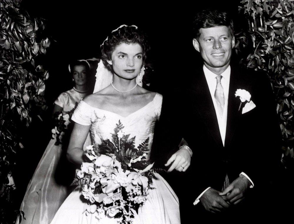 Svatba JFK a Jackie Bouvierové v roce 1953.