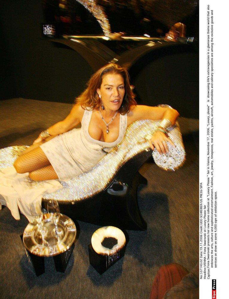 05f239630 Soud s křišťálovou princeznou. Fiona Swarovski údajně ukradla peníze ...