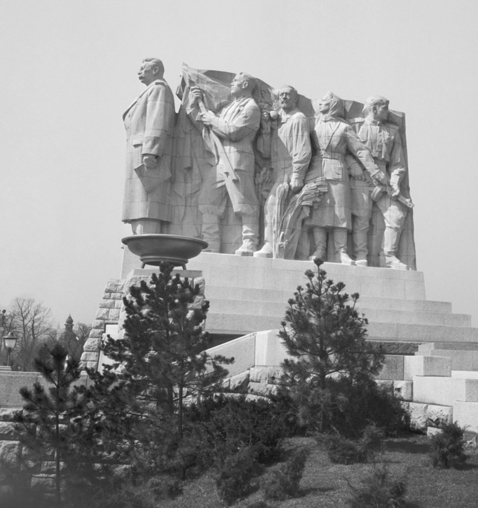Socha Stalina na Letné