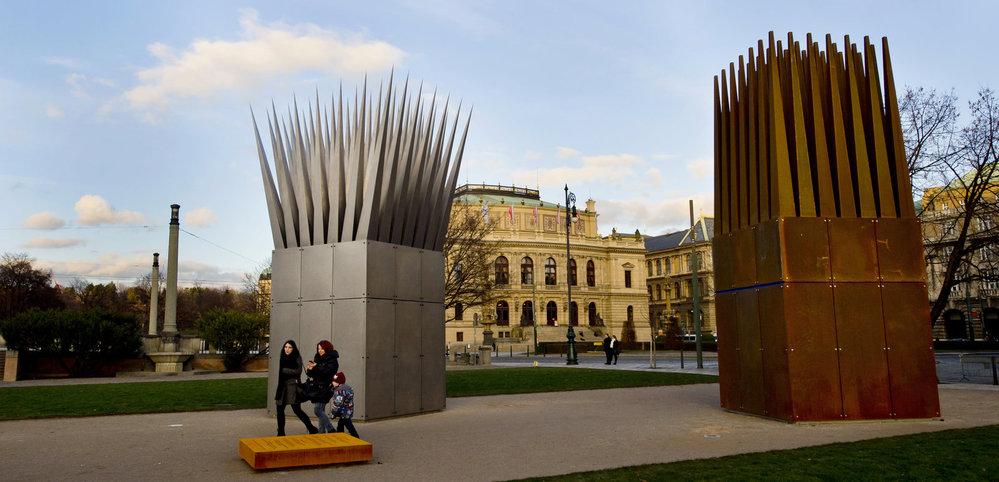 v Praze byl odhalen staronový pomník Jana Palacha