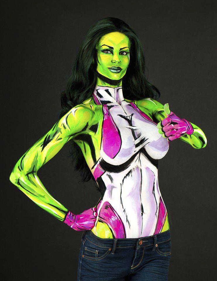 Pokusy s UV barvou. Lady Hulk.