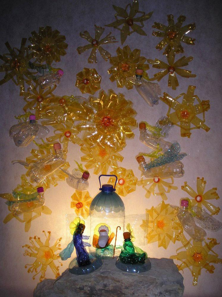 Plastový betlém. Veronika Richterová se umělecké recyklaci věnuje už přes deset let