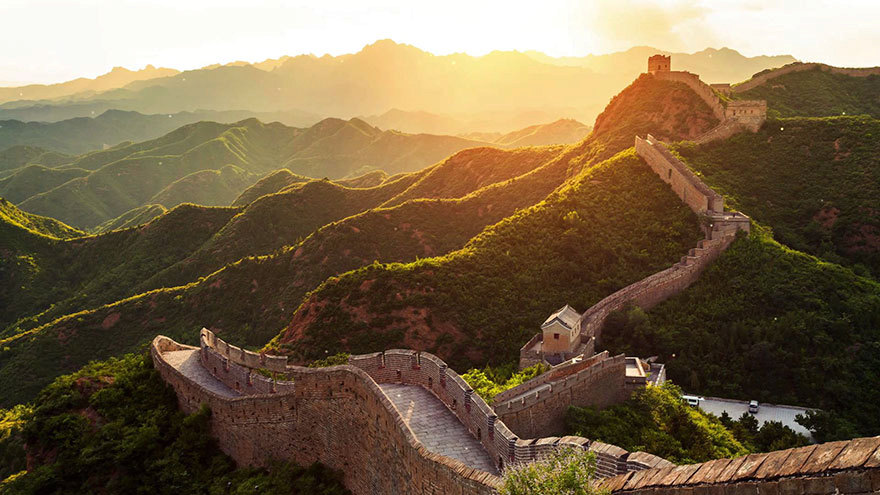 Na téhle fotografii vypadá Čínská zeď velmi romanticky.