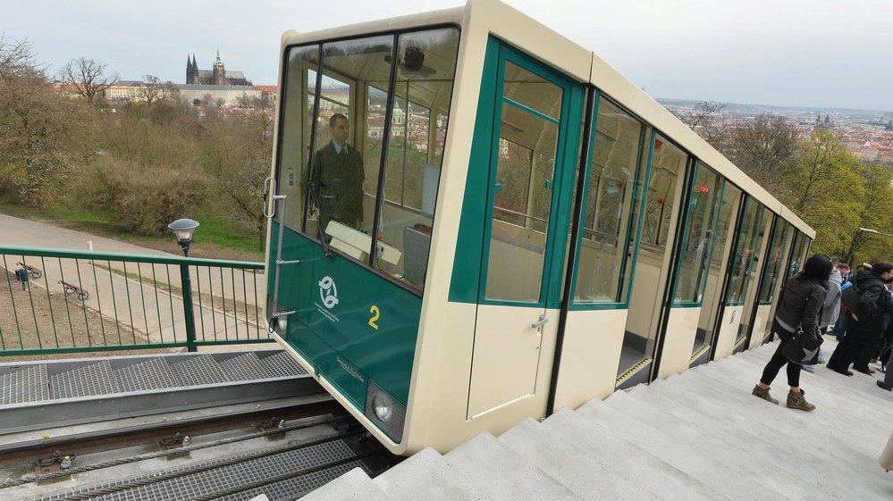 Znovuobnovený provoz lanovky na Petřín