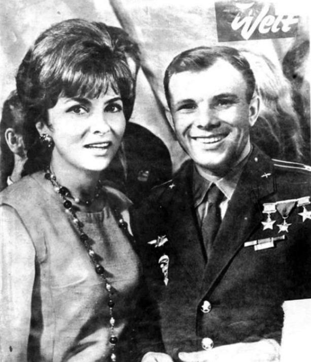 Kosmonaut s filmovou hvězdou Ginou Lollobrigidou.