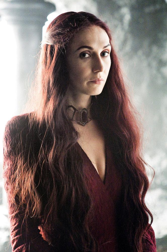 """CARICE VAN HOUTEN, Melisandra ze Hry otrůny: """"Hrát rudou kněžku je tak trochu jako hrát Hitlera."""""""