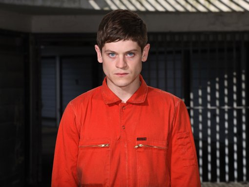 Simon Bellamy (Iwan Rheon) v Misfits: Zmetci.