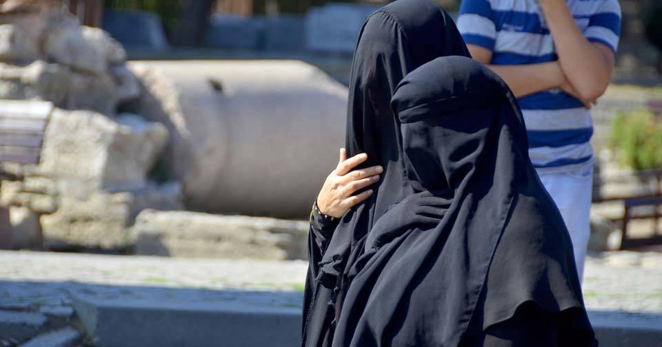 Ve Švýcarsku zakázali burky: Muslimky zákon ignorovaly, dostaly pokuty