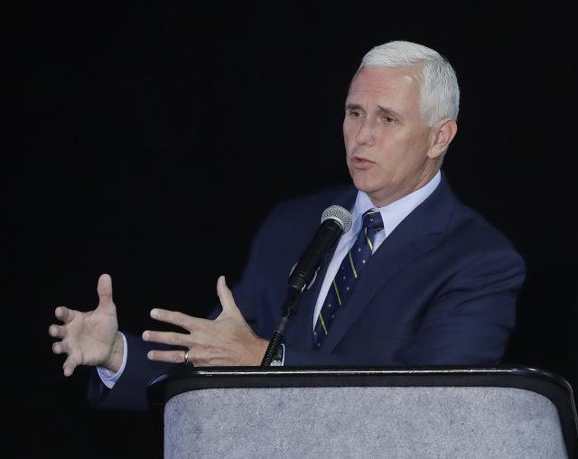 Pravděpodobný republikánský kandidát na prezidenta Spojených států Donald Trump si jako svého viceprezidenta vybral guvernéra státu Indiana Mikea Pence.