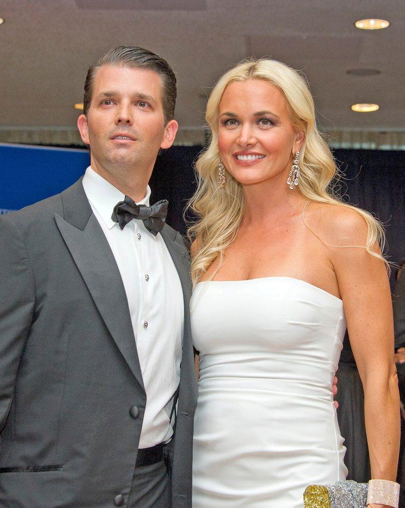 Donald Trump jr. má s manželkou Vanessou pět dětí. Je mu osmatřicet let a živí se jako podnikatel. Samozřejmě je také spolu se svými sourozenci Ivankou a Ericem výkonným ředitelem The Trump Organization.
