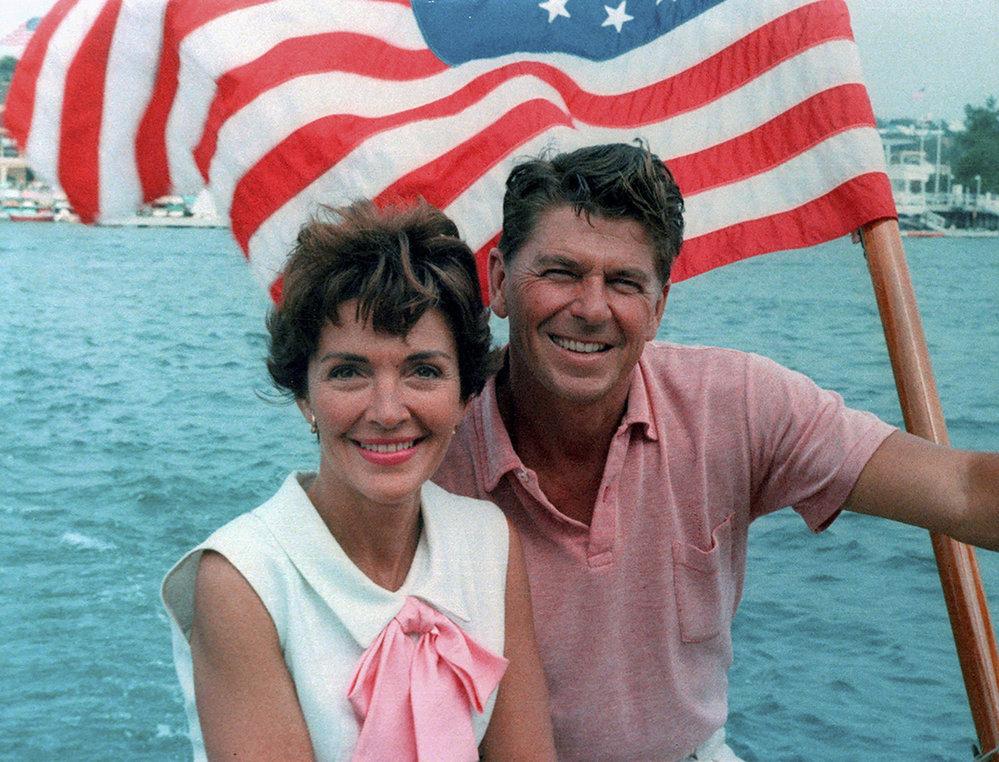 Ronald Reagan a manželkou Nancy